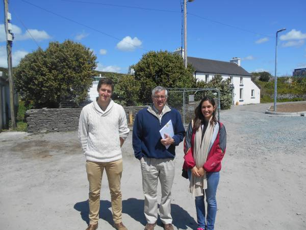 Dr. Pat Enright & students on Cape Clear Island
